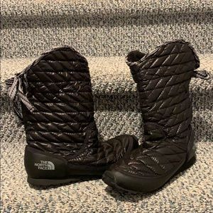 The North Face Thermoball Bow Snow Boots
